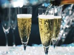 Вина игристые и шампанское