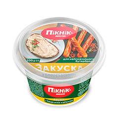 Закуска Пiкнiк 200г баварські ковбаски